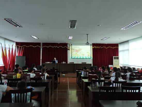 宁波市北仑区春晓成校下设的假日学校全部开学了_副本.jpg