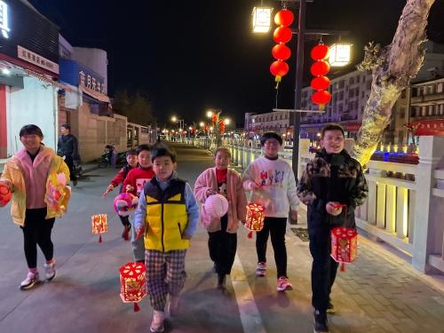 元宵佳节 花灯映月 夜游芦江河.jpg