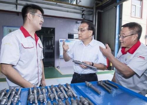 李克强: 强调要让中国工匠精神薪火相传